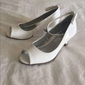 NWT Girl's White Patent Peep-Toe Heels